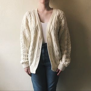 Sweaters - Cream vintage cardigan